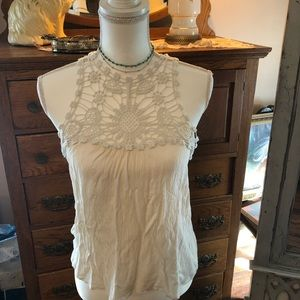 Lacey sleeveless ivory top